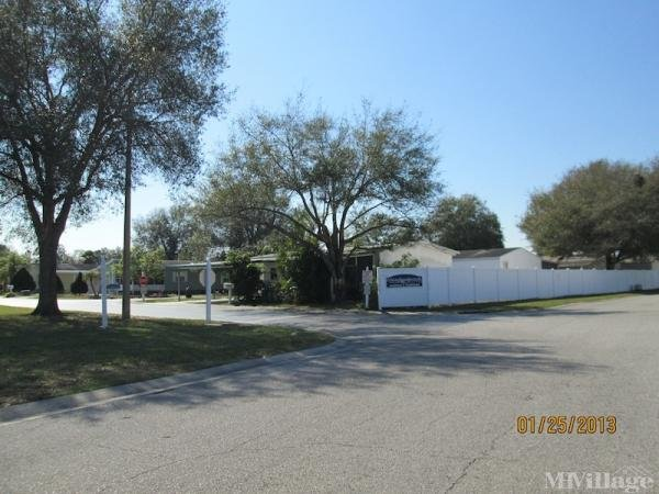 Meadowbrook Village Mobile Home Park in Tampa, FL
