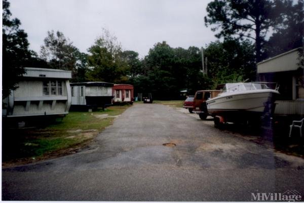 Photo of East Bay Mobile Home Park, Gulf Breeze, FL
