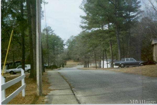 Photo of Holiday Park Riviera Mobile Home Community, Warner Robins, GA