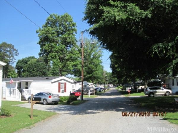 Photo of Lake Lanier Mobile Home Community, Gainesville, GA