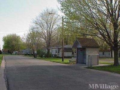 Mobile Home Park in Long Grove IA