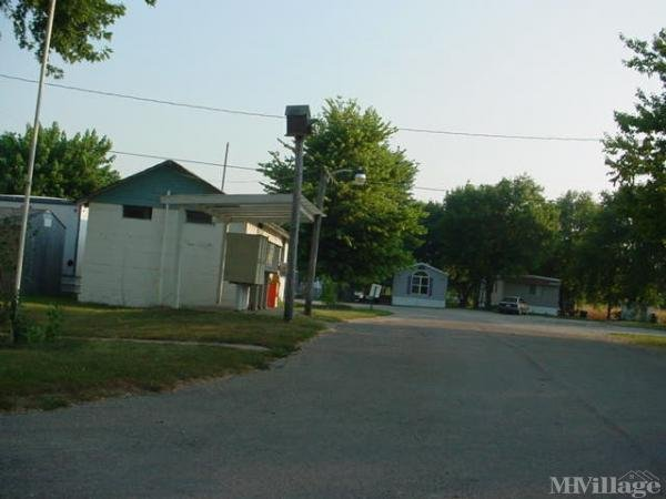 Photo 0 of 1 of park located at 2530 Steward Road Muscatine, IA 52761
