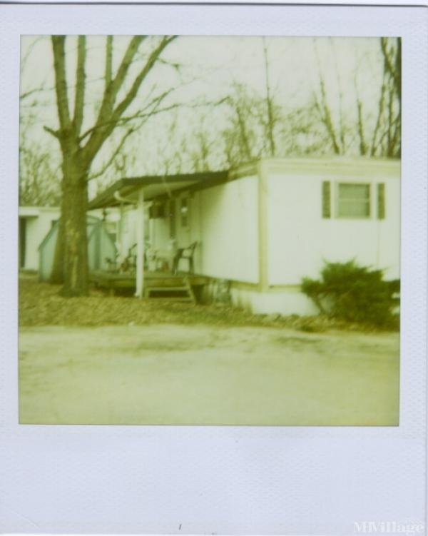 Photo 0 of 1 of park located at 6400 Hickman Rd Windsor Heights, IA 50324