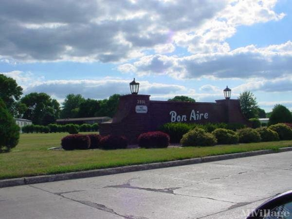Bon Aire MH Lodge Mobile Home Park in Iowa City, IA