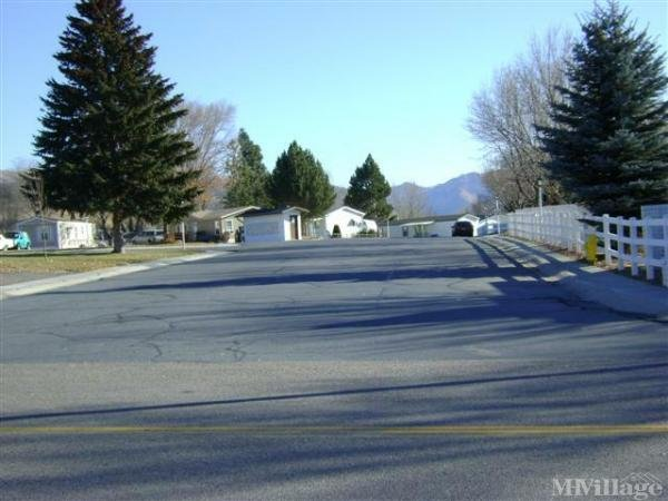 Cowboy Mobile Home Park and RV Mobile Home Park in Pocatello, ID