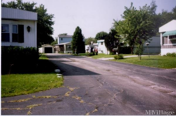 Photo 0 of 2 of park located at 122 Greenwood Ave Bloomington, IL 61704