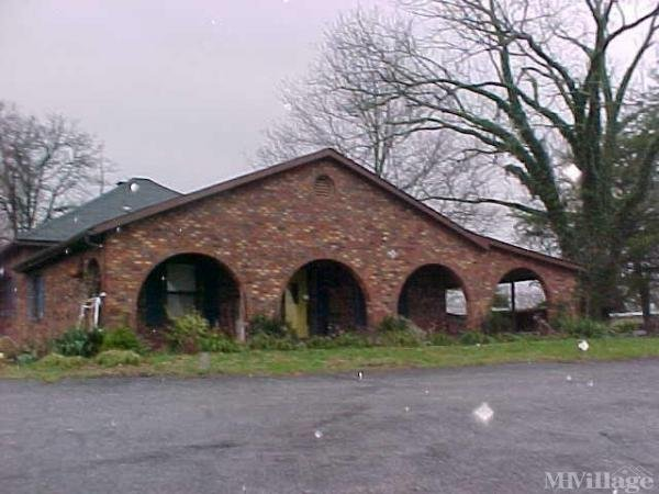 Photo 0 of 2 of park located at 759 Hodgeville Road Elizabethtown, KY 42701