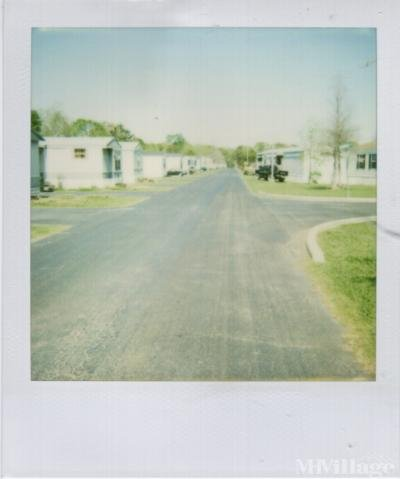 Mobile Home Park in Scott LA