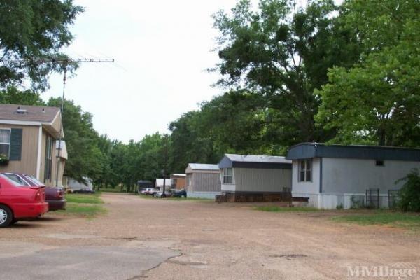 Photo of Spring Lake Family Mobile Home Park, Tyler, TX