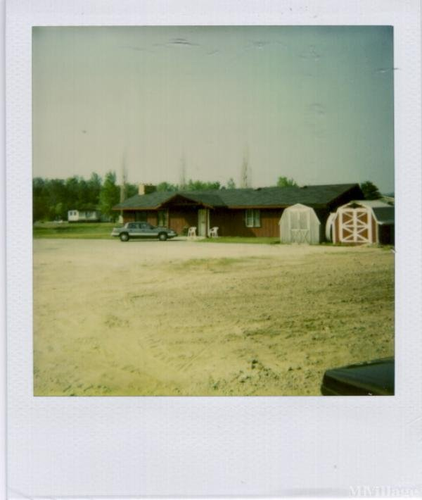Country Village Estates Mobile Home Park in West Branch, MI