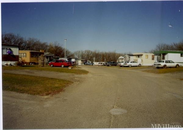 Sherwood Mobile Home Park Mobile Home Park in Saint Charles, MN