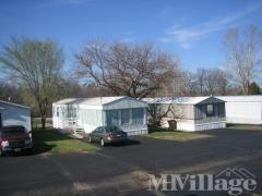 Photo 5 of 12 of park located at 41 Tee Kay Mobile Manor O Fallon, MO 63366
