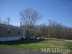 Photo 4 of 12 of park located at 41 Tee Kay Mobile Manor O Fallon, MO 63366