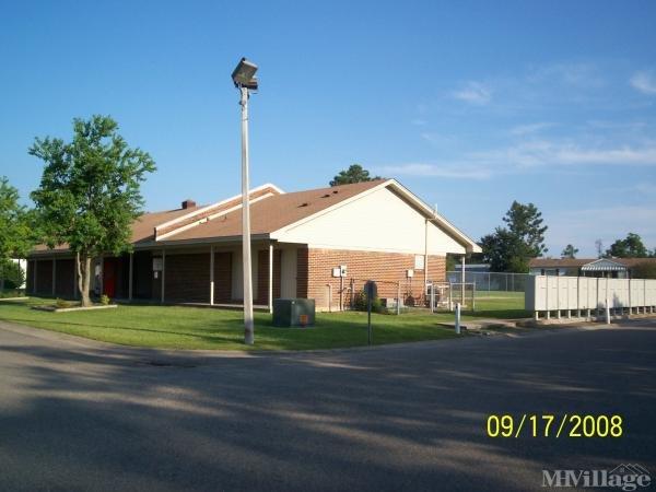 Cedar Lake Mobile Home Village