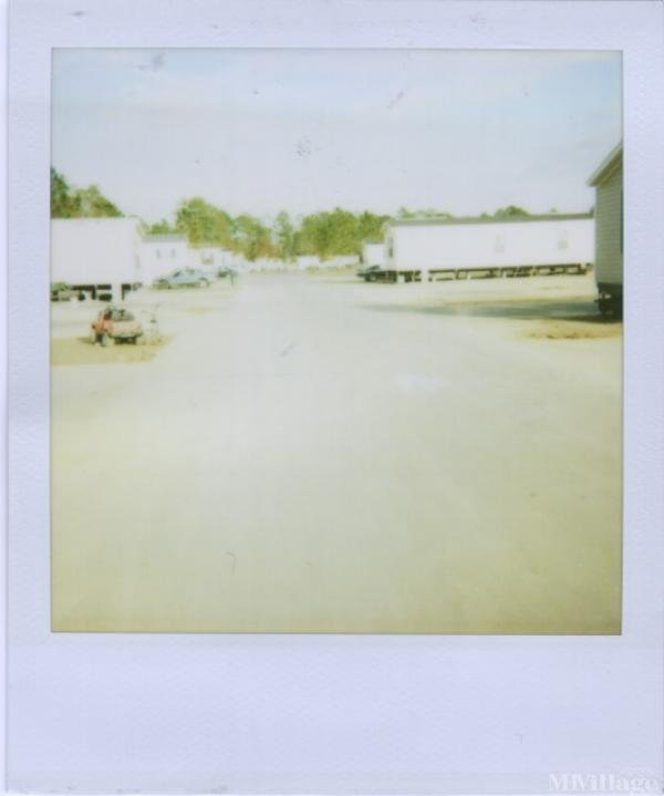 Country Living Mobile Home Village Mobile Home Park in Biloxi, MS