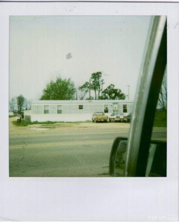Photo 3 of 1 of park located at 50 Moore Trailer Park Dr Clarksdale, MS 38614
