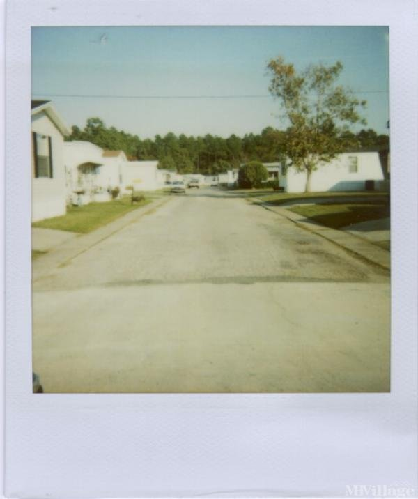 Poolside Mobile Home Village Mobile Home Park in Gulfport, MS