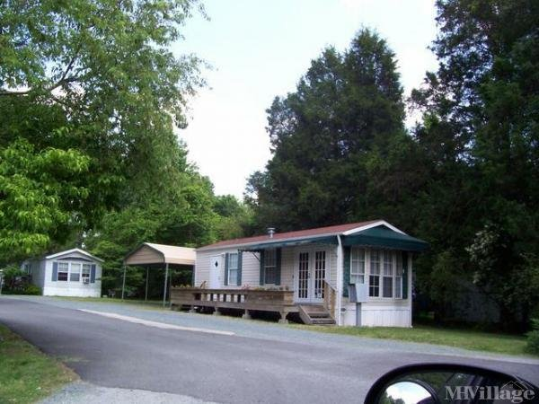 Photo of Tarheel Mobile Home Park, Chapel Hill, NC