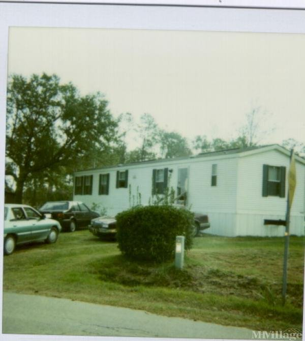 Photo 0 of 2 of park located at 321 Hooker Road Wilmington, NC 28403