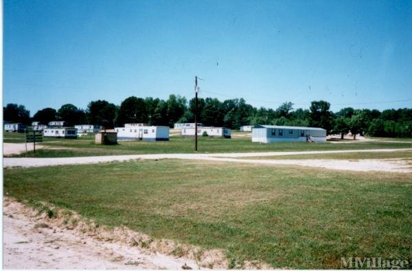 Photo of Twin Oaks Mobile Home Park, Louisburg, NC
