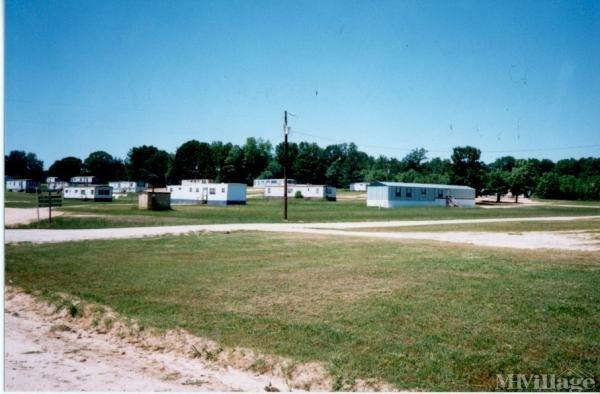 Photo of Twin Oaks Mobile Home Park, Louisburg, NC