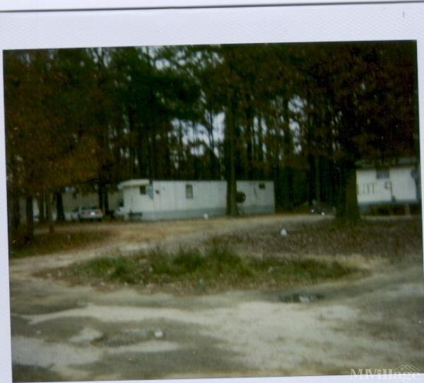 Photo of Stanley Mobile Home Park, Henderson, NC