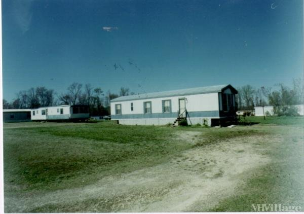 Photo of Lipscomb Mobile Home Park, Willow Spring, NC