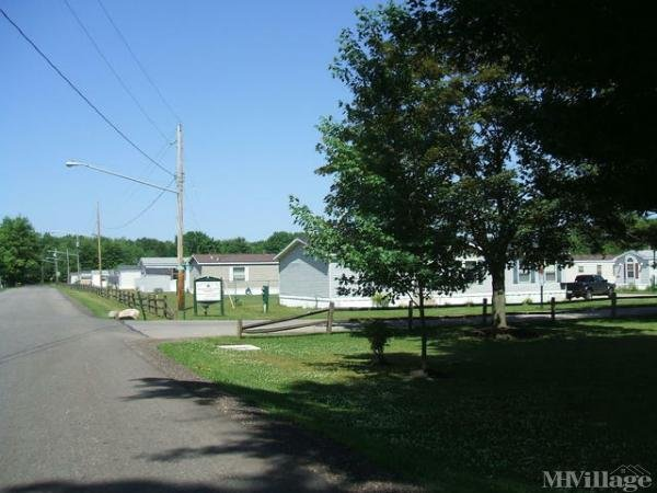 Asbury Park Mobile Home Park in Orwell, OH