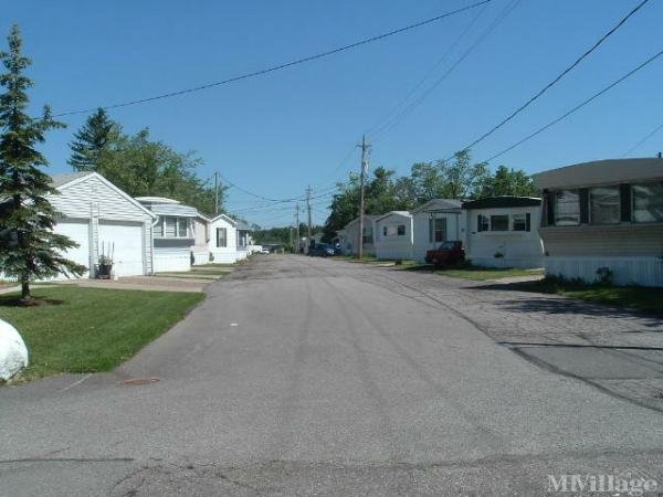 Twin Oaks Mobile Home Park in Chardon, OH