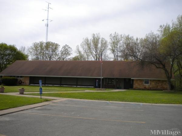 Raintree Village Mobile Home Park in Toledo, OH