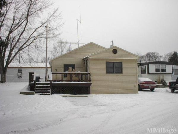 Pine Manor Mobile Home Park in Mantua, OH