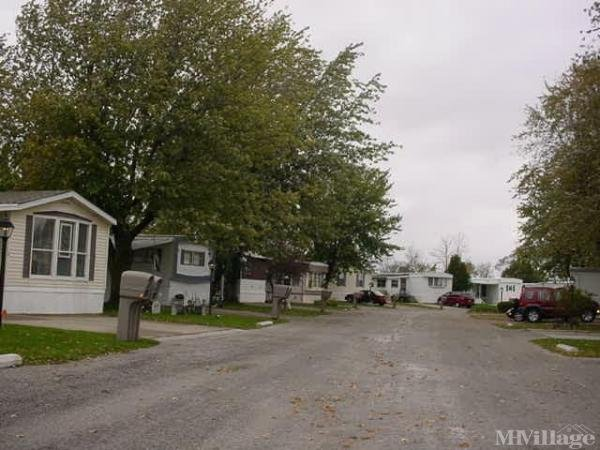 Laffertys Leisure Village Mobile Home Park in Perrysburg, OH