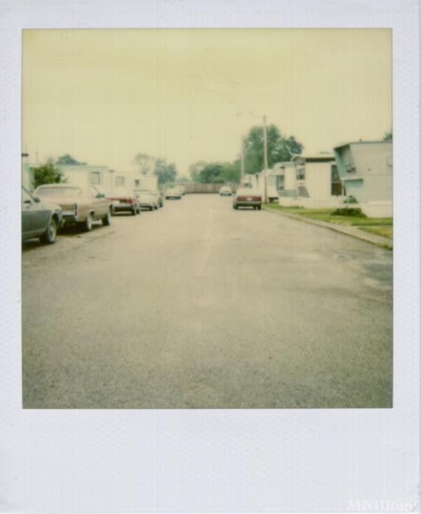 Lake Manor Estates Mobile Home Park in Medway, OH