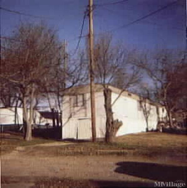 Photo of Lake Shore Mobile Home Park, Grand Prairie, TX