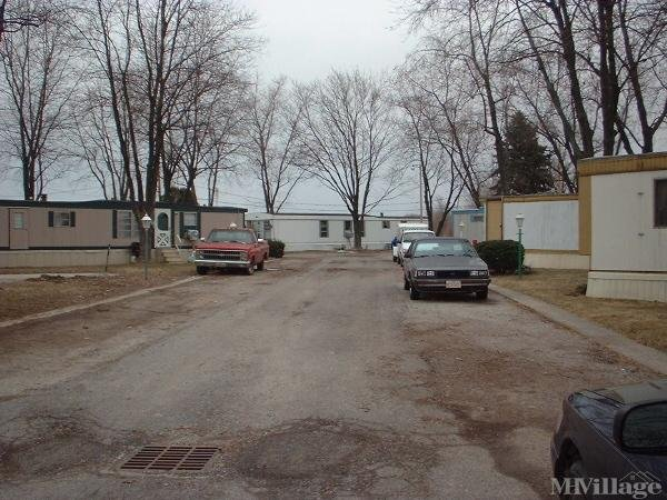 Colony Meadows Trailer Ct Mobile Home Park in Archbold, OH