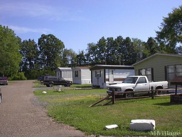Oak Hill M H Vlg Mobile Home Park in Cambridge, OH