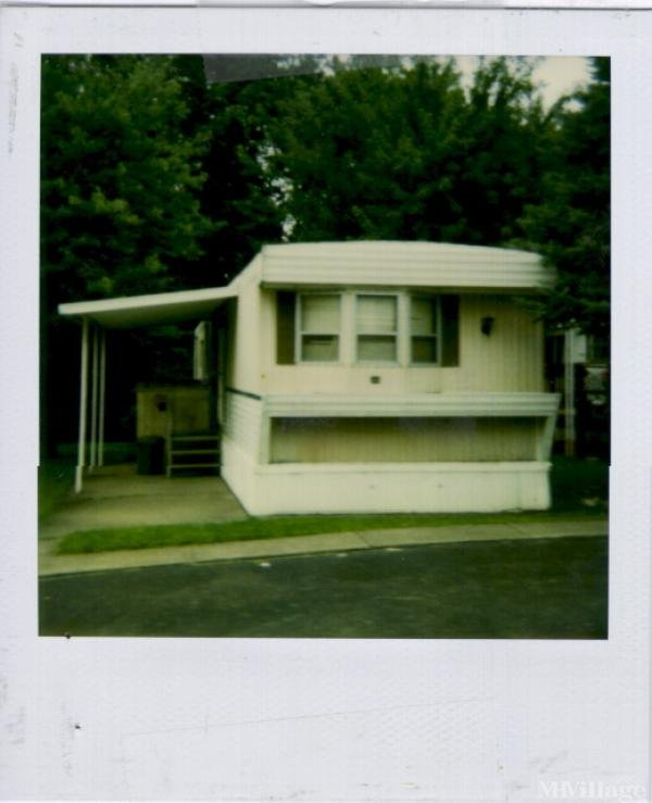 Paul's Trailer Park Mobile Home Park in Girard, OH