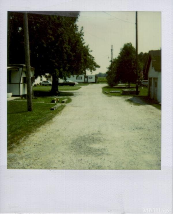 Bevis Trailer Park Mobile Home Park in Elizabethtown, OH
