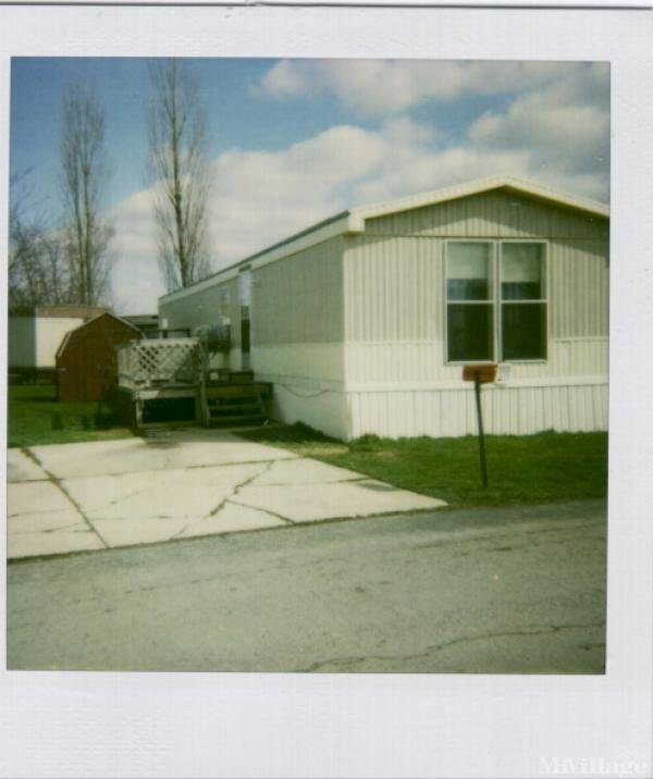 Eastland Acres Mobile Home Park Mobile Home Park in Deshler, OH