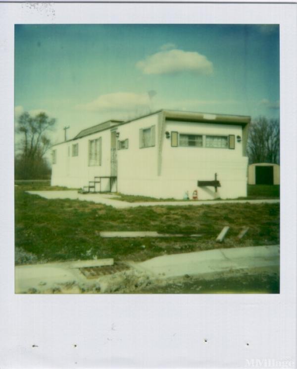 Tammi's Mobile Village Mobile Home Park in Belle Center, OH