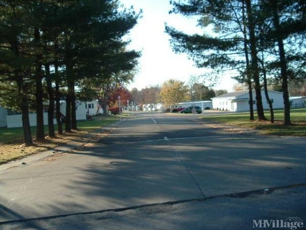 Pine Villas Estates Mobile Home Park in Lodi, OH