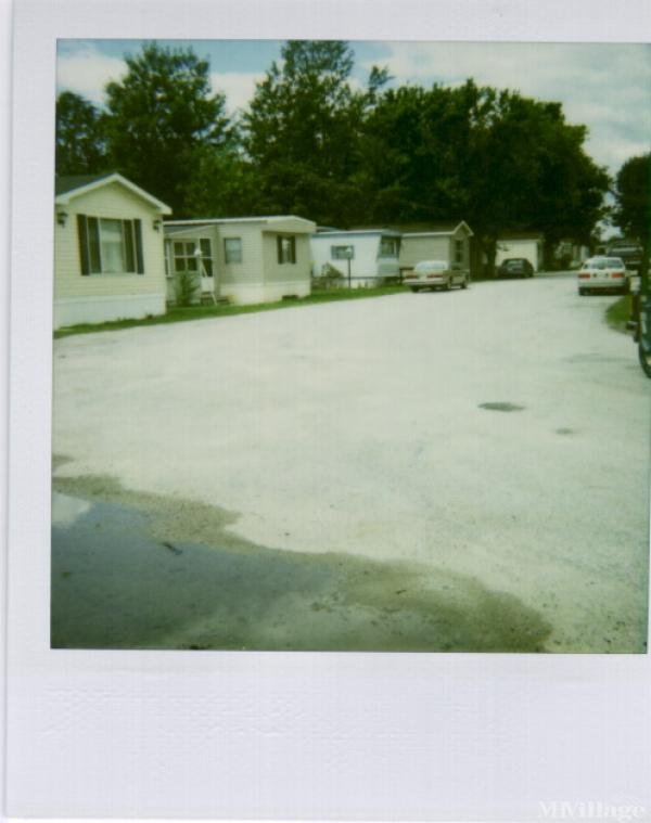 Greenwood Mobile Home Park Mobile Home Park in Genoa, OH