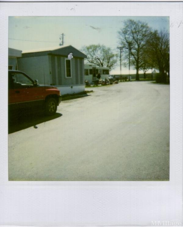 Twin Pines Mobile Home Park Mobile Home Park in Lockbourne, OH