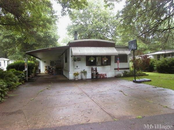 Clearfork Mobile Home Park Mobile Home Park in Bellville, OH