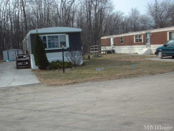 Winding Lake Mobile Home Park Mobile Home Park in Clyde, OH