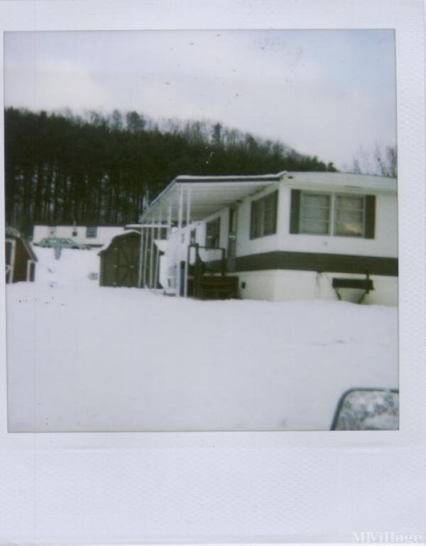 Mohican River Estates Mobile Home Park in Loudonville, OH