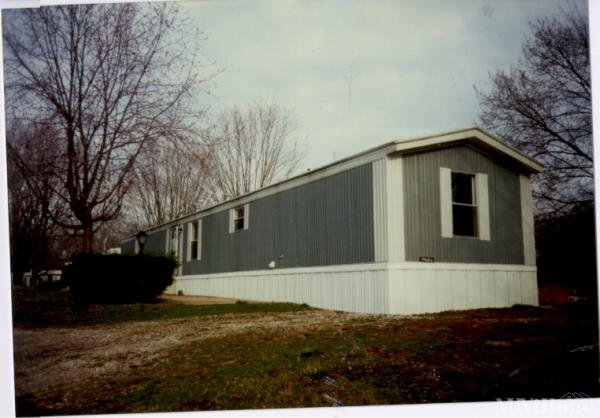 Hillview Mobile Ct Mobile Home Park in Navarre, OH