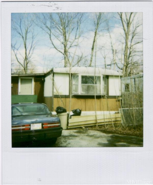 Alexander's Mh Court Mobile Home Park in Akron, OH
