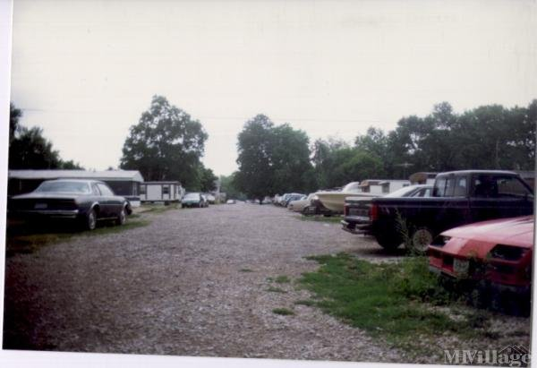 Maurer Trailer Park Mobile Home Park in Uhrichsville, OH