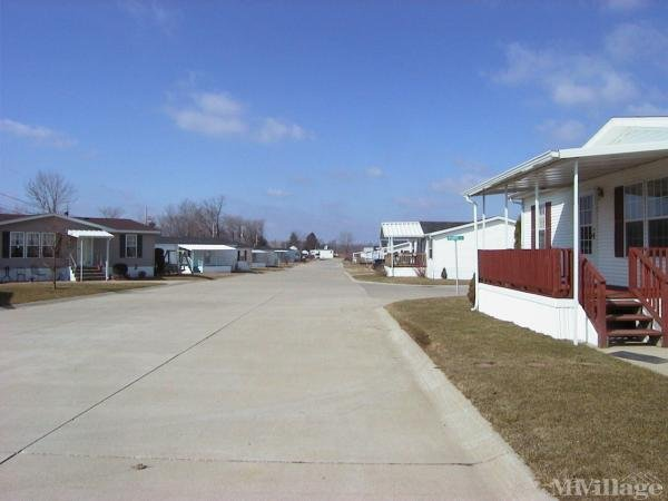 Carefree Estates Mobile Home Park in Shelby, OH